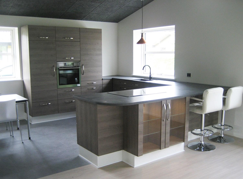 Reparation og udskifning af køkkener, gulve og lofter i haarby